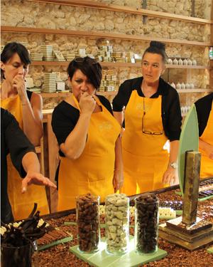 Notre équipe: vendeuses en chocolaterie